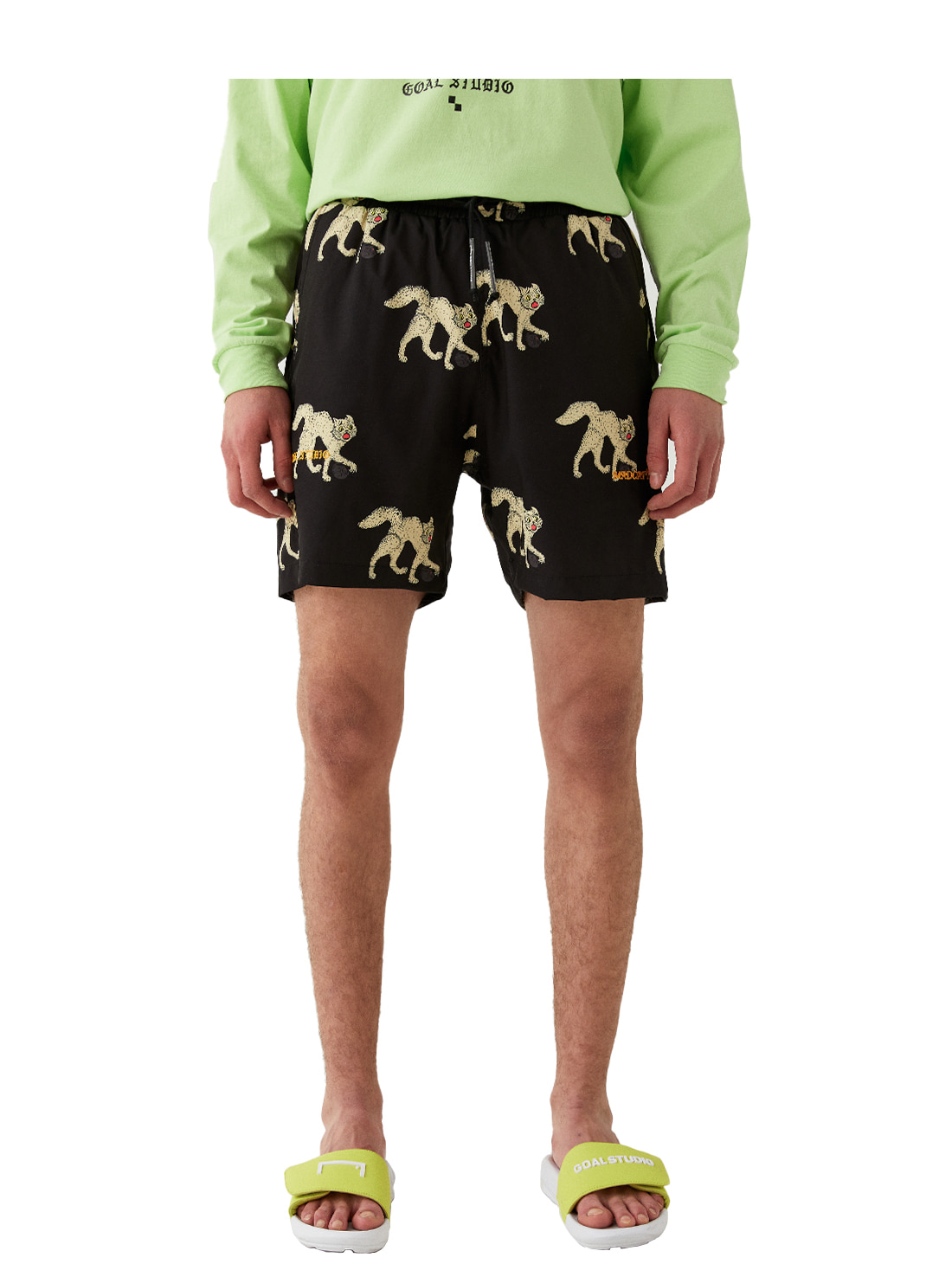 MC ALL OVER PATTERN SHORTS - BLACK